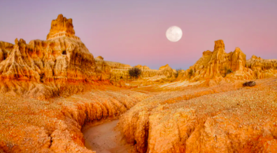 New South Wales: 6-Day Small-Group Outback Tour with Lake Mungo, Scenic Flight & Darling River Cruise 6 Days from $3,399 /person Twin Share Valued up to $4,800