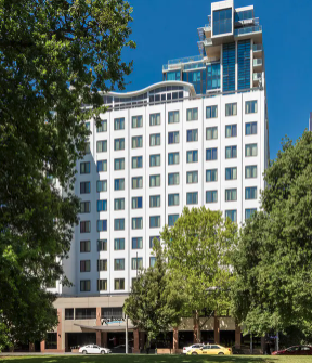 Radisson on Flagstaff Gardens Melbourne Award-Winning Melbourne Radisson Escape with Daily Breakfast & Park-View Room Upgrade 2 to 10 nights from $379/room Incl. taxes & fees Valued up to $804